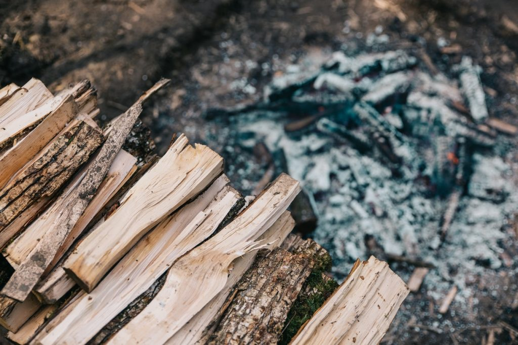 can firewood be too old